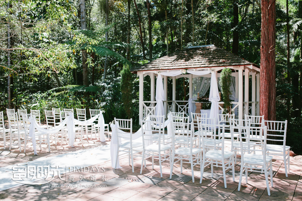 精心装扮的仪式凉亭 澳洲庄园森林婚礼