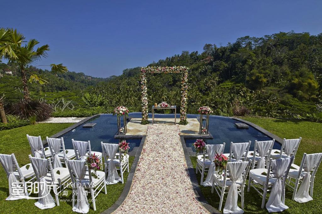 升级水台布置参考图 巴厘岛皇家彼得玛哈(royal pitamaha)海岛婚礼