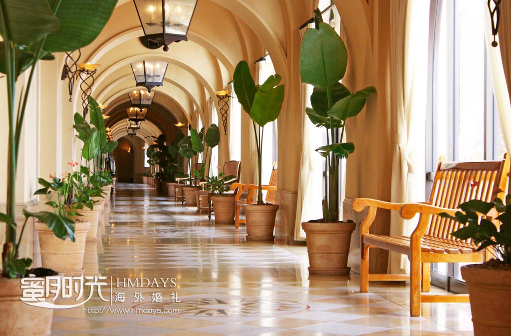 酒店晚宴区长长的走廊 冲绳星耀(海之耀)教堂婚礼