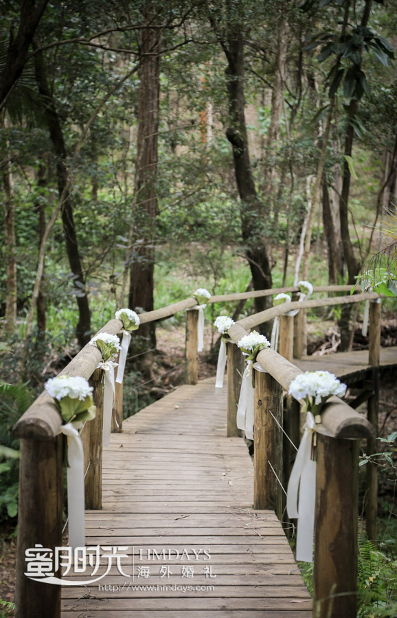 可以对独木桥进行精心的打扮 澳洲婚礼庄园内景