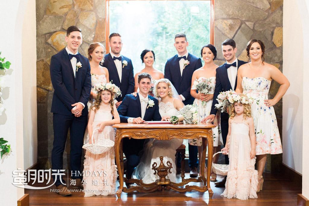 婚礼后全家合影留念 澳洲庄园教堂婚礼