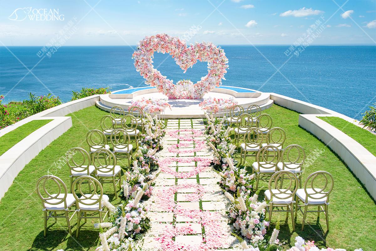 梦幻平台婚礼_标准布置_椅背纱会默认提供白色 巴厘岛 梦幻平台 免费布置 粉色