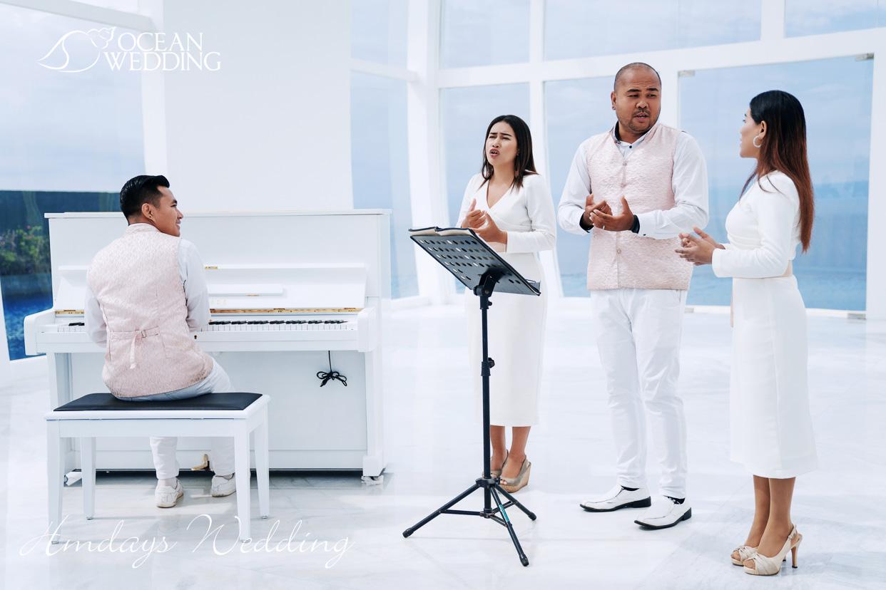 免费升级为雅马哈钢琴伴奏 巴厘岛梦幻教堂婚礼