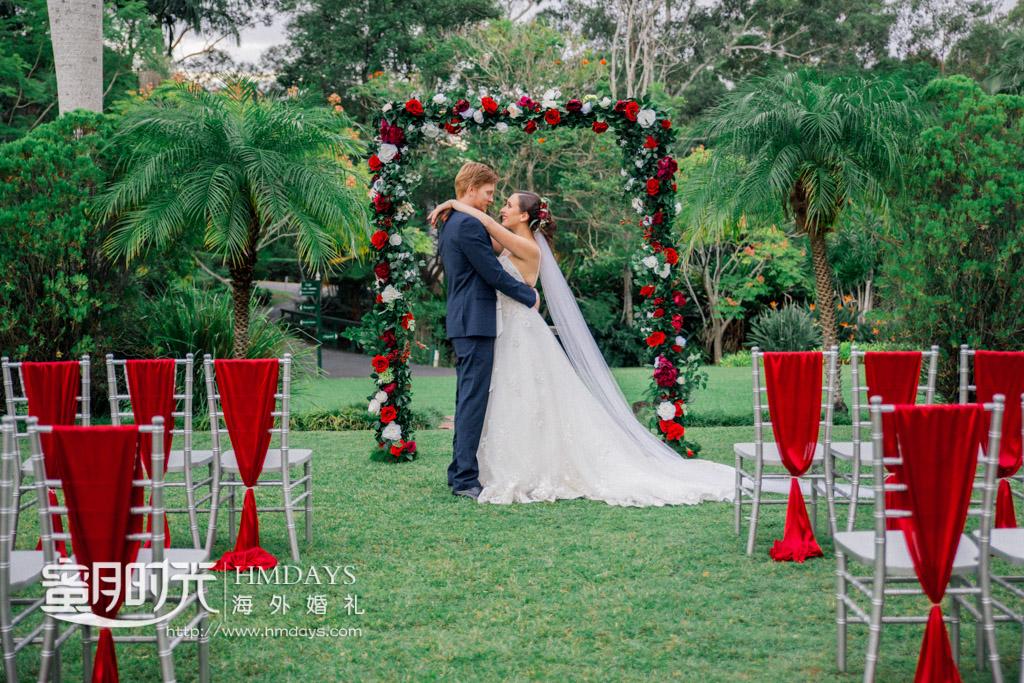 红色主题婚纱摄影 澳洲庄园草坪婚礼