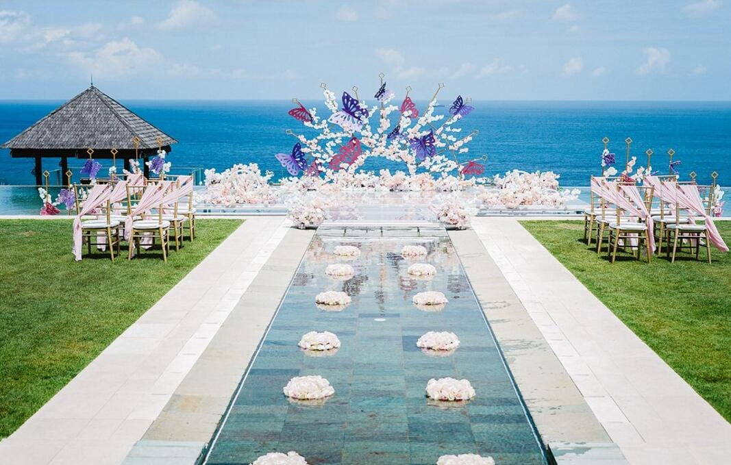 巴厘岛舒尔家海景别墅婚礼