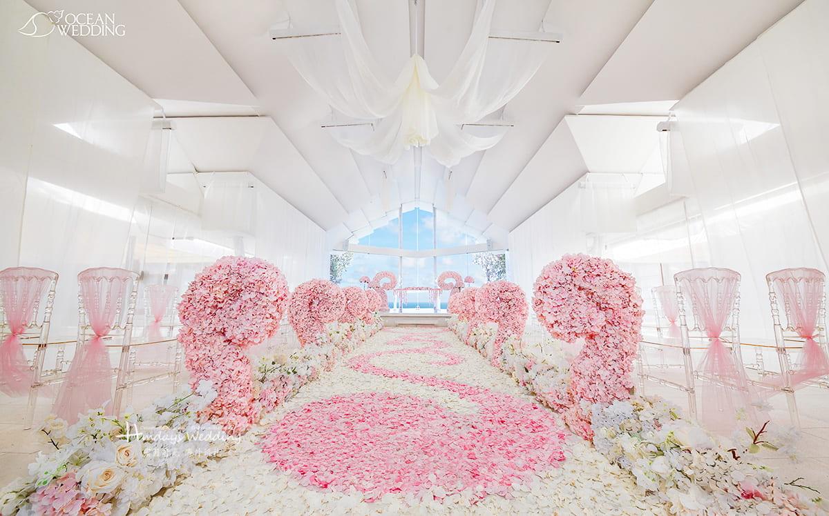 巴厘岛 海之教堂婚礼 SEVEN版布置 白粉色 免费