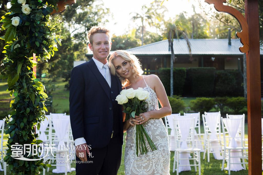 婚礼后的幸福一瞬间 澳洲庄园草坪婚礼