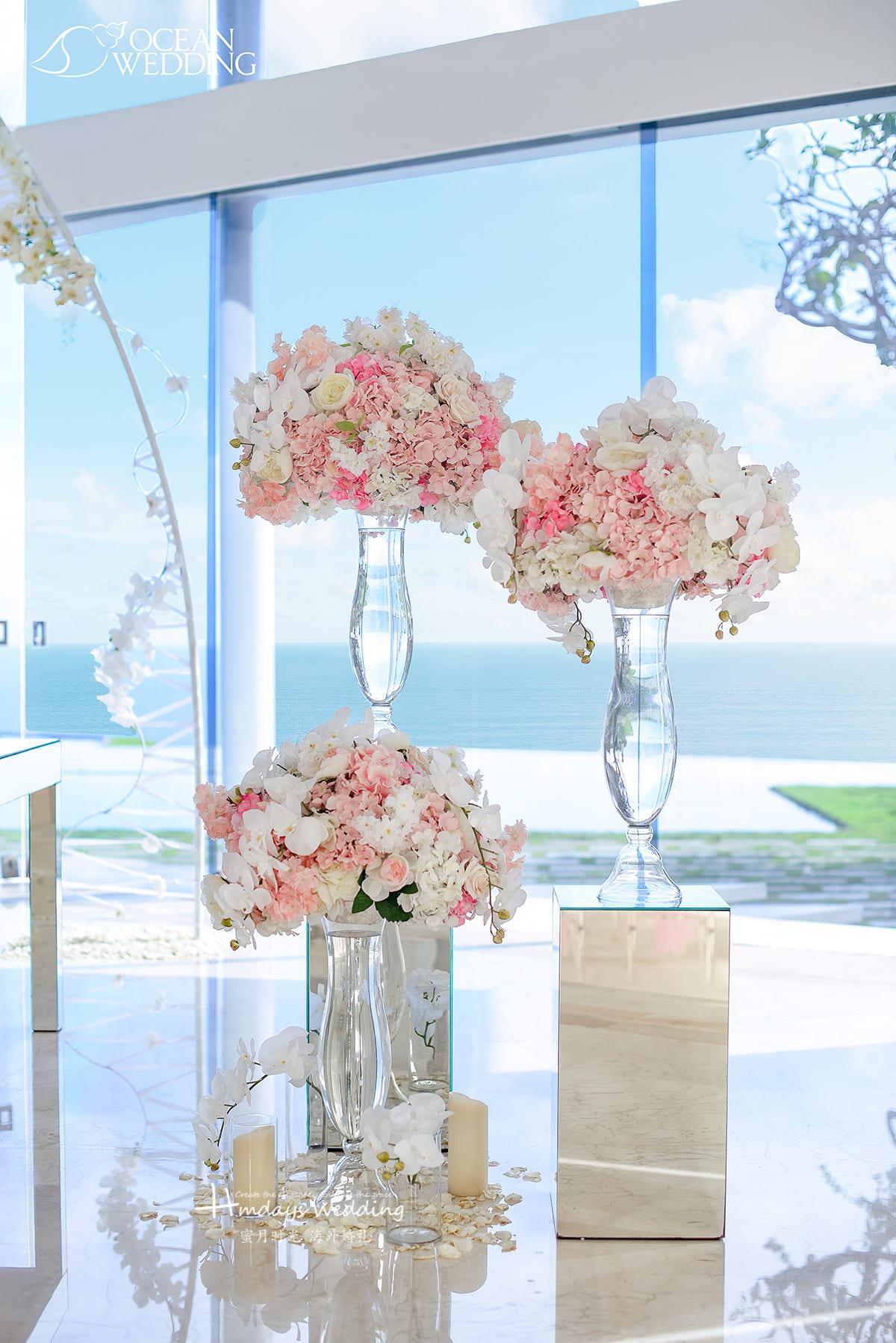 白粉色 巴厘岛 海之教堂婚礼 白色和白粉色 免费