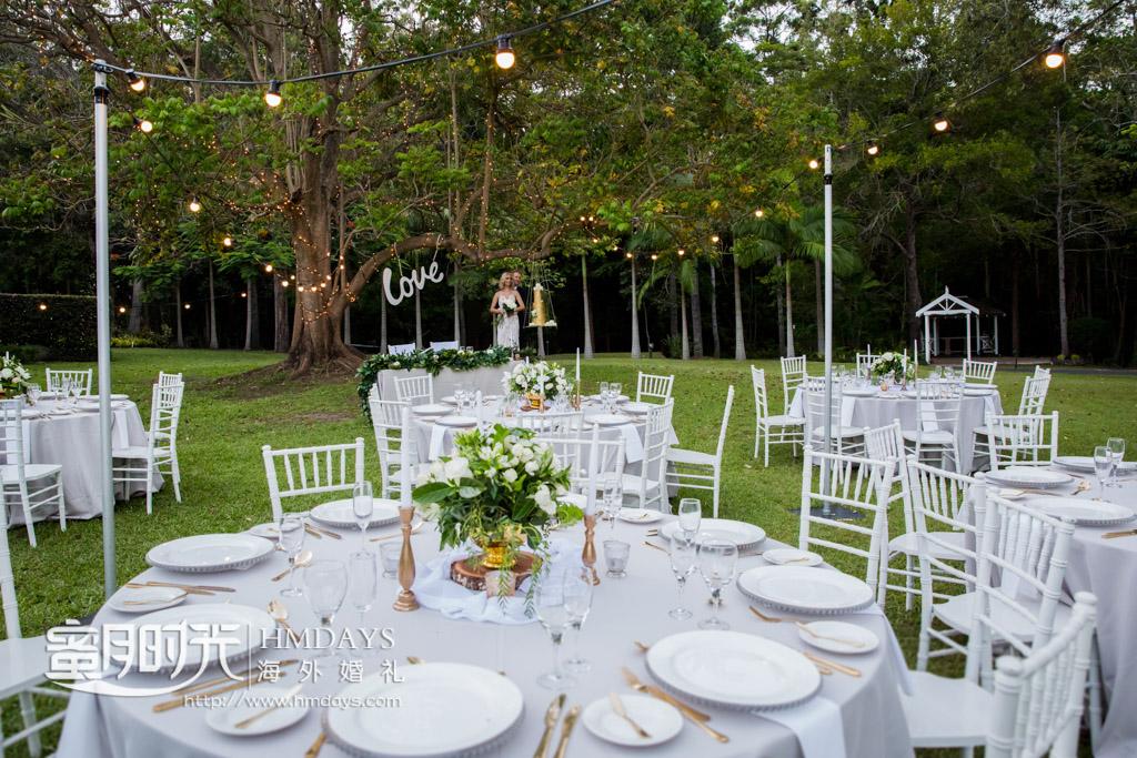 基本的草坪晚宴布置 澳洲庄园婚礼晚宴