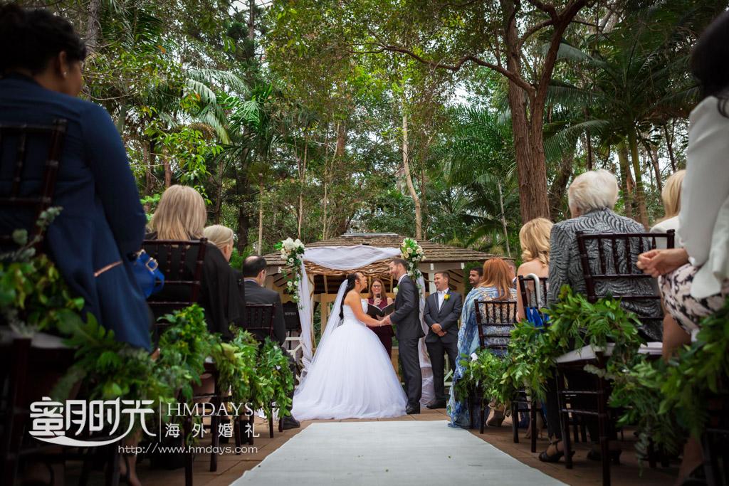 祝福声中的KISS 澳洲庄园森林婚礼
