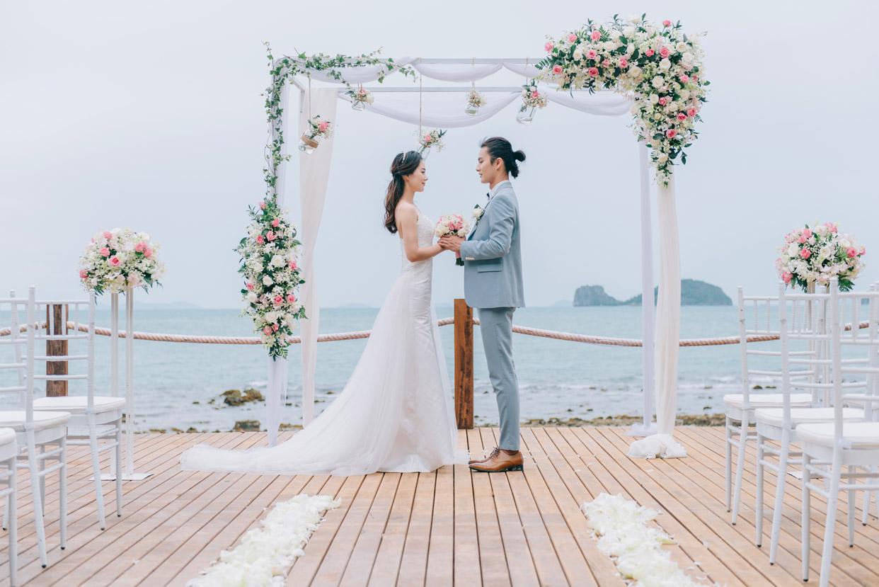 苏梅岛康莱德水台婚礼