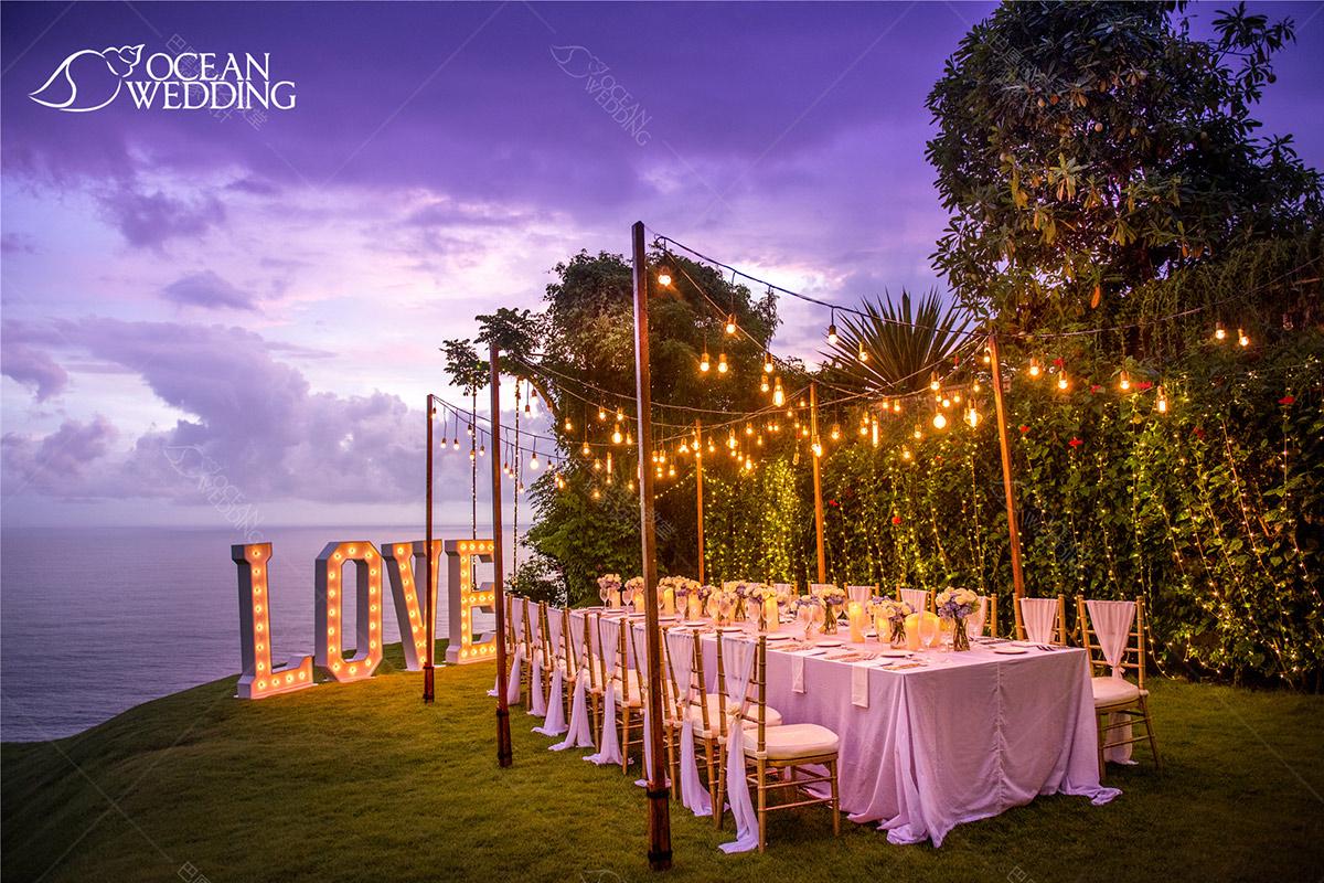 升级付费晚宴布置1示意图_全档期客人可定_具体摆放位置为教堂右边的草坪 巴厘岛梦幻教堂婚礼