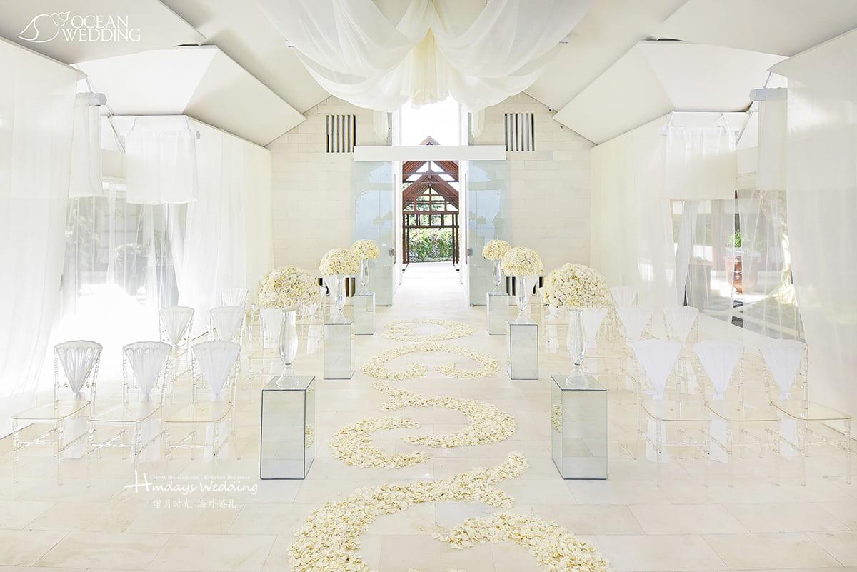 白色 巴厘岛 海之教堂婚礼 白色和白粉色 免费