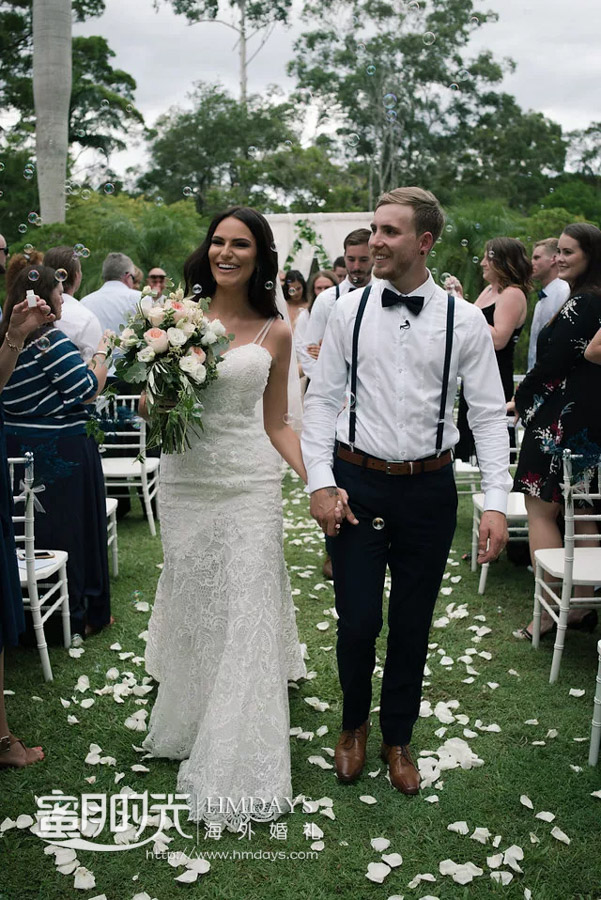 花瓣雨,接受爱的祝福 澳洲庄园草坪婚礼