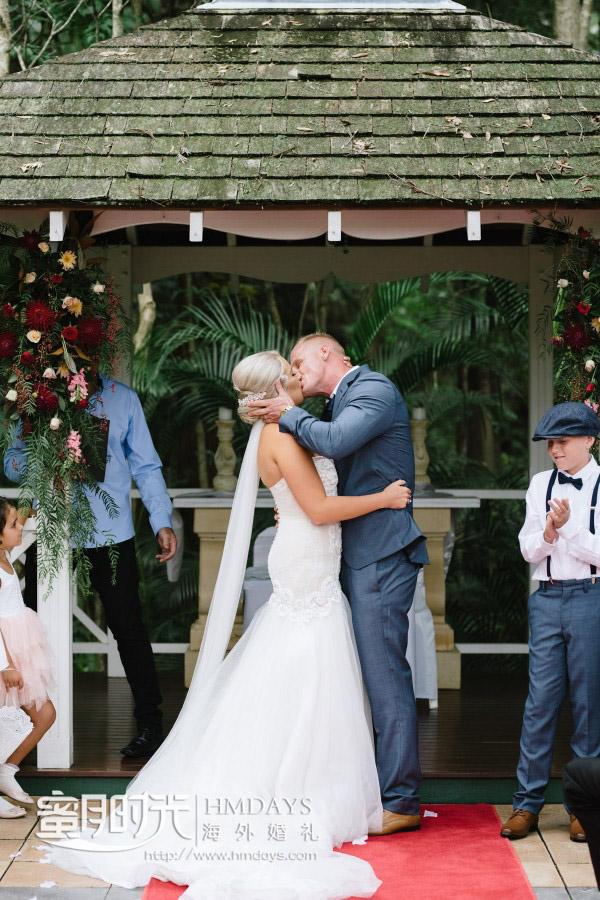 KISS在诸位亲友的祝福下 澳洲庄园森林婚礼