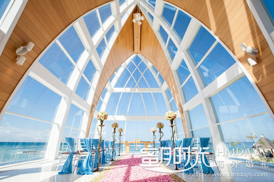 丽思卡顿教堂标准布置 巴厘岛丽思卡尔顿教堂婚礼