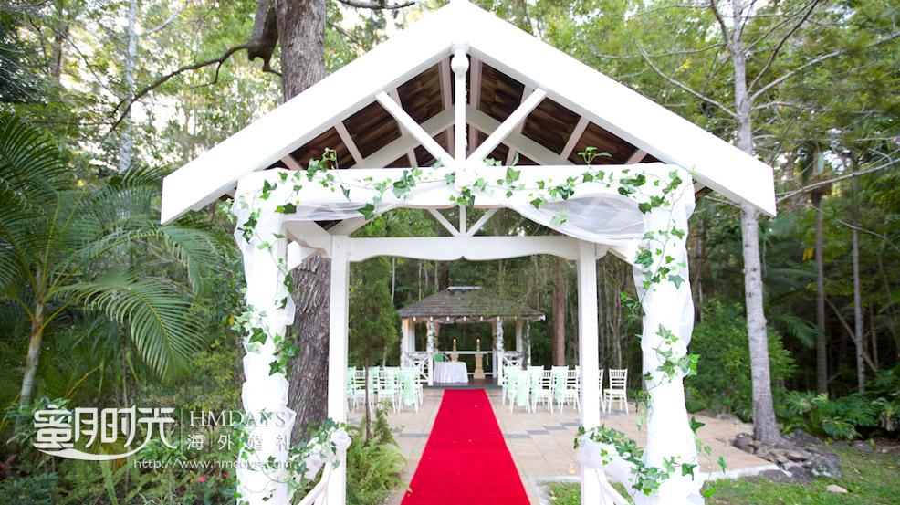 凉亭婚礼入口拍摄 澳洲庄园森林婚礼