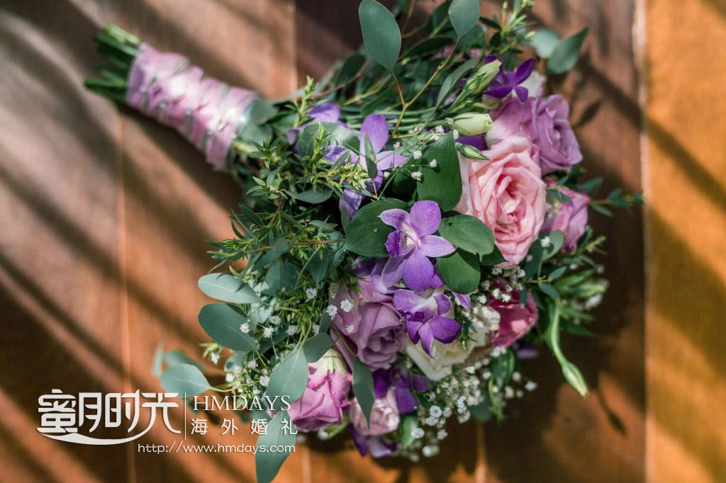 普吉岛纳卡海景草坪婚礼|普吉岛的花怎么那么美_如论哪种方式捆扎都好美|海外婚礼