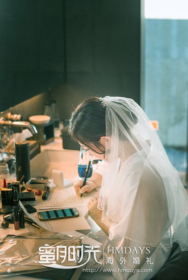 普吉岛纳卡海景草坪婚礼|新娘宝宝悄悄写下给新郎的誓言_肯定会超级感动新郎的|海外婚礼
