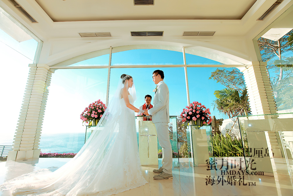 巴厘岛蓝点教堂婚礼--17:30档|互相海誓山盟,在大海的见证下|海外婚礼