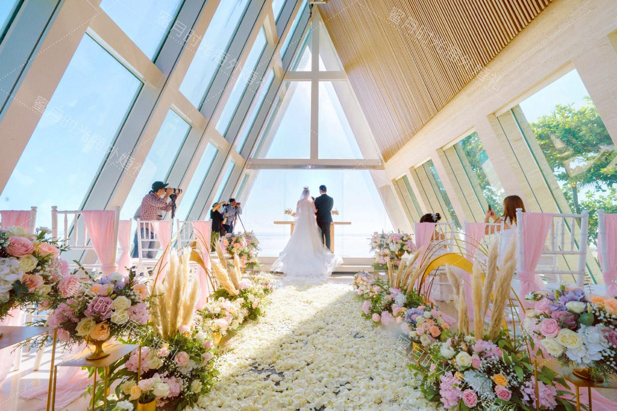 港丽无限教堂婚礼+升级布置|四对一的拍摄_让您人生中的大事充满幸福回忆_看_我们蜜月时光海外婚礼专业的拍摄团队|海外婚礼