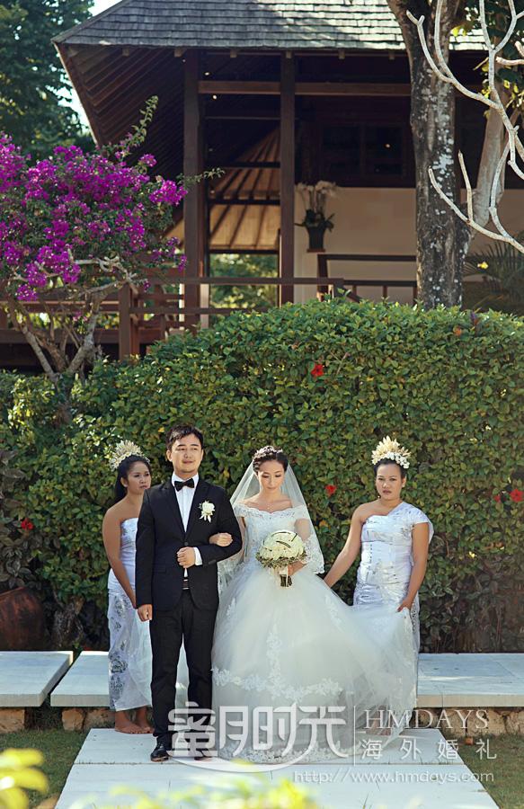 水之教堂婚礼 准备进入教堂 海外婚礼