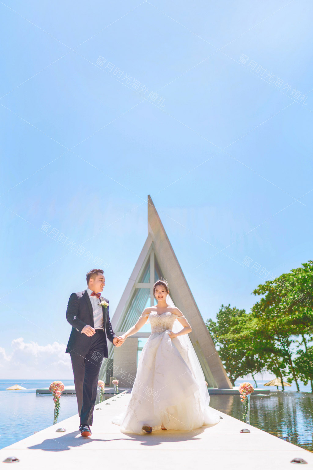 港丽无限教堂婚礼+升级布置|巴厘岛港丽无限教堂外_一条奔向幸福和快乐的康庄大道|海外婚礼