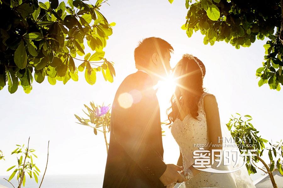 巴厘岛蓝点教堂婚礼婚纱照|夕阳剪影,很是喜欢|海外婚礼