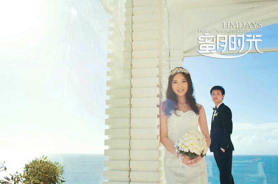 巴厘岛蓝点教堂婚礼婚纱照|蓝点教堂内部取景拍摄|海外婚礼