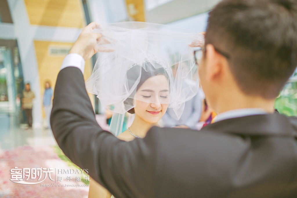 巴厘岛丽思卡尔顿教堂海外婚礼|只为这一刻_掀起你的头纱_-蜜月时光海外教堂婚礼_|海外婚礼