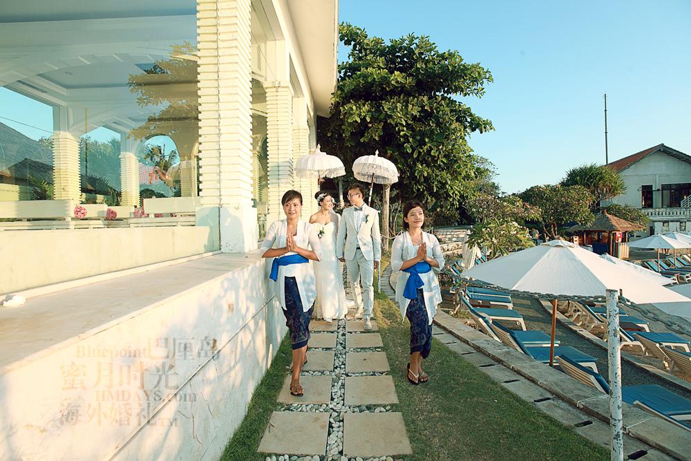 巴厘岛蓝点教堂婚礼--17:30档|走向蓝点教堂背后的绝美悬崖|海外婚礼