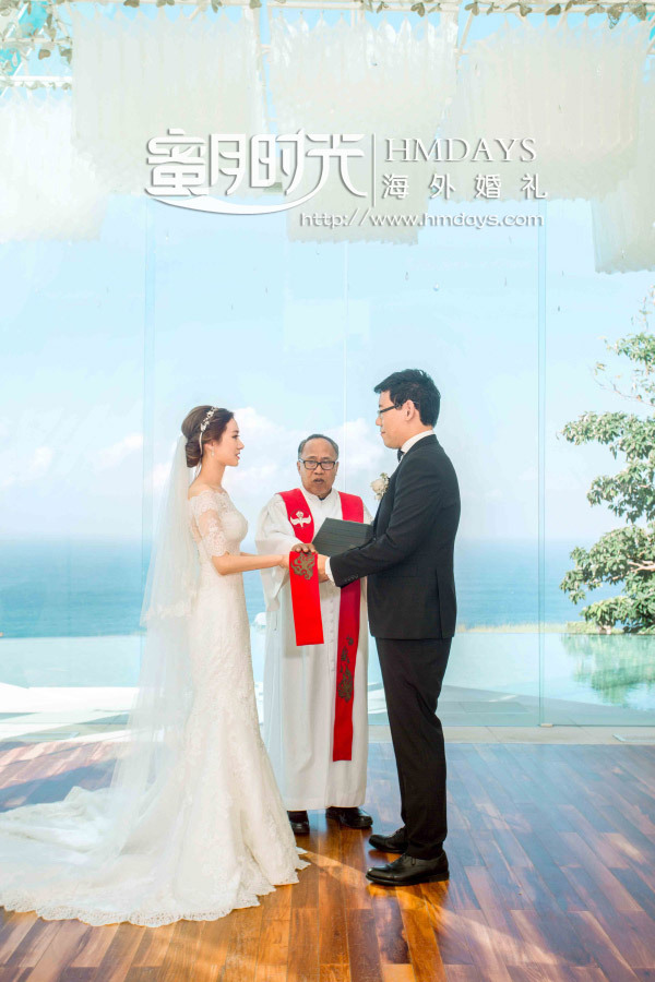 水之教堂婚礼+次日全天外景|新人在神父祝福下宣誓|海外婚礼