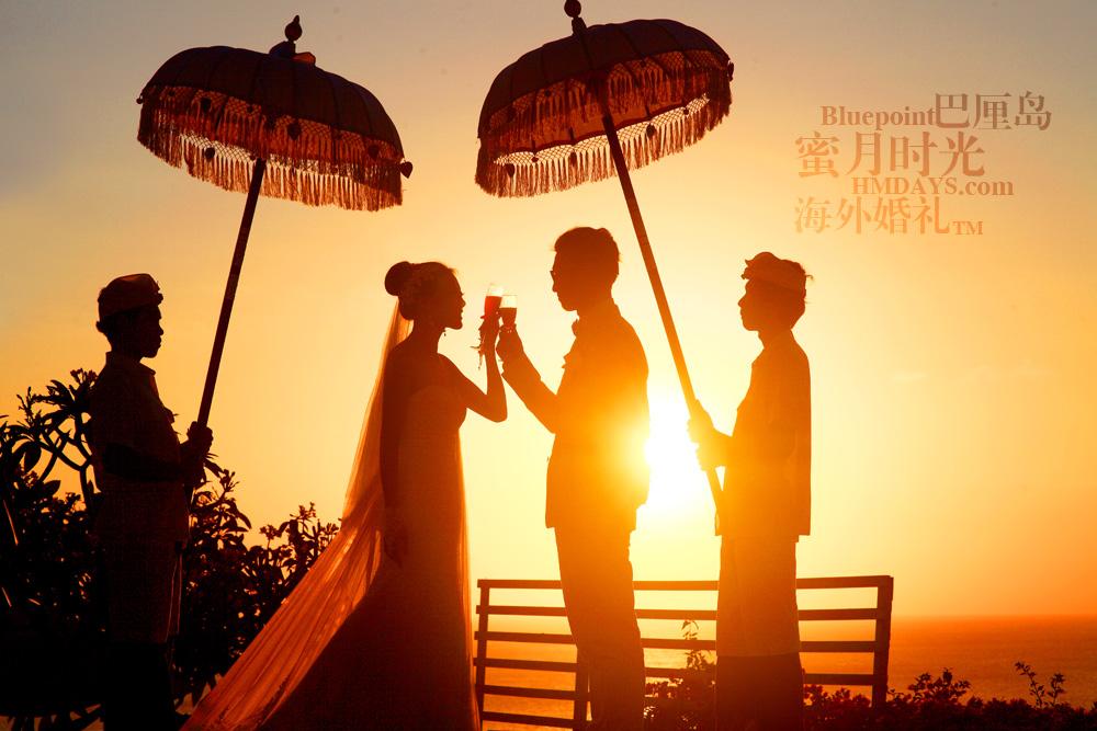 巴厘岛蓝点教堂婚礼--17:30档|绝美蓝点教堂婚礼夕阳剪影|海外婚礼
