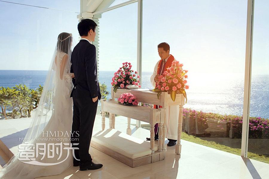 巴厘岛蓝点教堂婚礼婚纱照|庄严宣誓中|海外婚礼