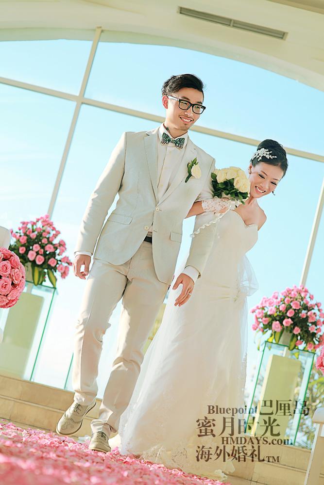 巴厘岛蓝点教堂婚礼--17:30档|走向蓝点教堂大门,准备迎接花瓣雨|海外婚礼