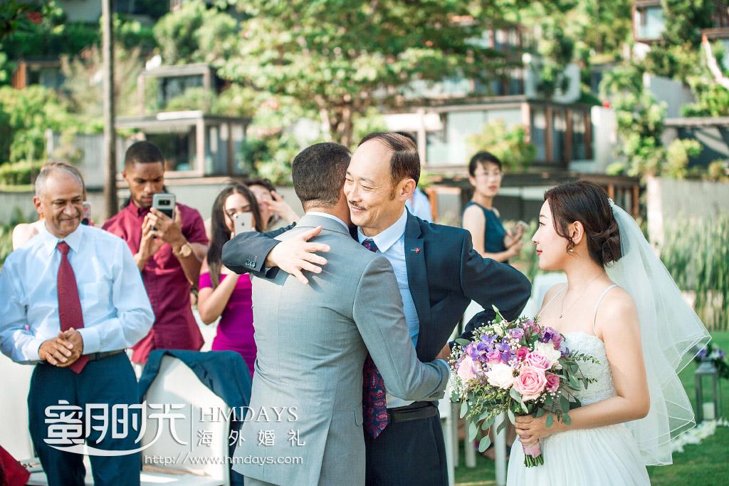 普吉岛纳卡海景草坪婚礼|我的宝贝女儿交给你了_希望你们和和气气_幸福甜蜜|海外婚礼