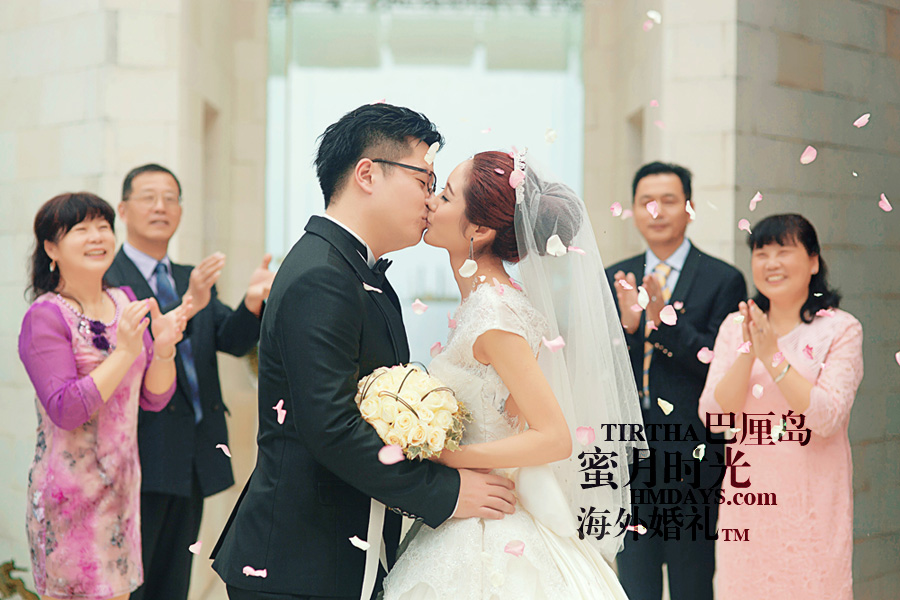 巴厘岛水之教堂婚礼+巴厘岛半日外景婚纱摄影|海外婚礼,激动人心的时刻,花瓣雨仪式|海外婚礼