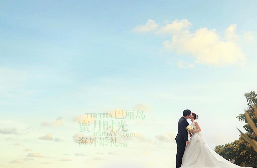 巴厘岛水之教堂婚礼+巴厘岛半日外景婚纱摄影|巴厘岛婚礼,水之教堂悬崖凉台上KISS|海外婚礼