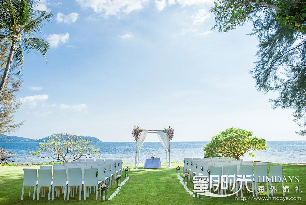 普吉岛纳卡海景草坪婚礼|在纳卡草坪婚礼布置_无论何种风格都是可以轻松hold住的|海外婚礼