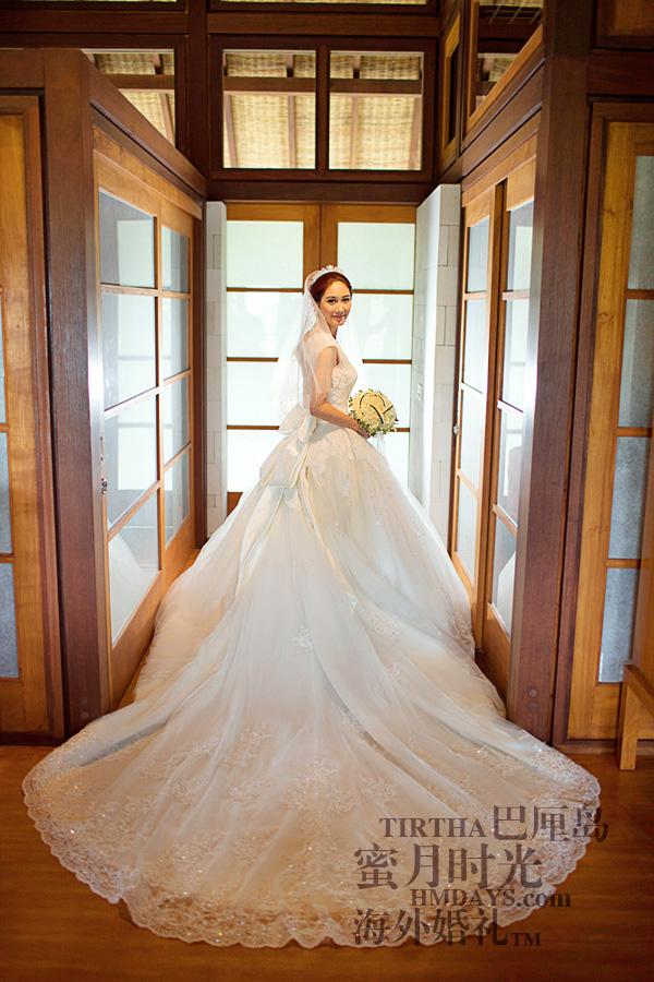 巴厘岛水之教堂婚礼+巴厘岛半日外景婚纱摄影|海外婚礼,漂亮的大拖尾婚纱!|海外婚礼