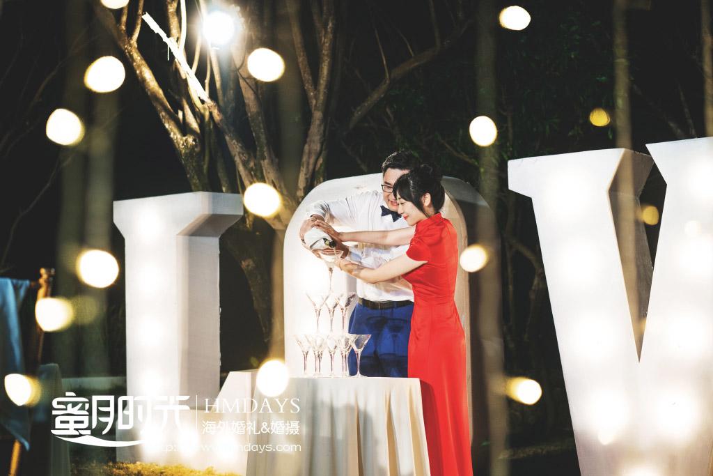巴厘岛Alila阿丽拉婚礼|晚宴倒香槟环节_寓意婚后的生活甜蜜节节高_-巴厘岛海外教堂婚礼|海外婚礼