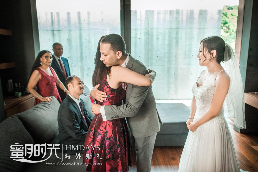 普吉岛纳卡海景草坪婚礼|中国有那句谚语_岳母看女婿是越看越顺眼的_果然不假呀|海外婚礼