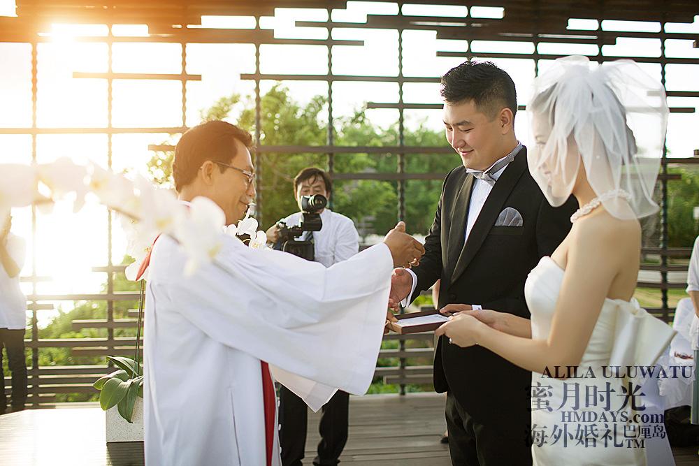 阿丽拉ALILA黄昏婚礼|感谢牧师为新人主持庄严婚礼|海外婚礼