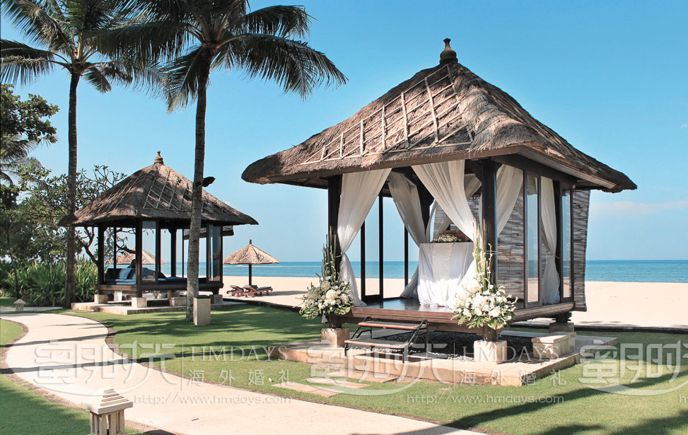 BALE BEACH|巴厘岛港丽沙滩凉亭婚礼|巴厘岛婚礼|海外婚礼|蜜月时光