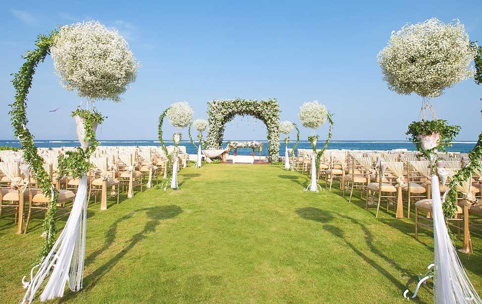 巴厘岛瑞吉海景草坪婚礼
