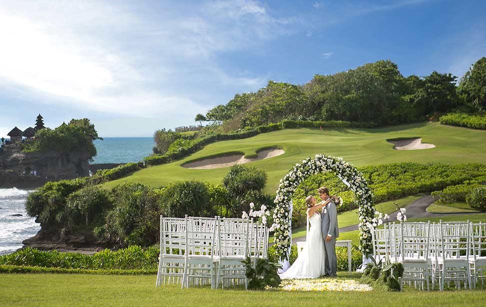 CLIFF LAWN|巴厘岛海神庙海景婚礼|巴厘岛婚礼|海外婚礼|蜜月时光