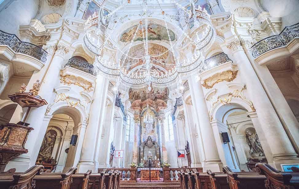ST.NICHOLAS|布拉格圣尼古拉斯教堂婚礼|巴厘岛婚礼|海外婚礼|蜜月时光