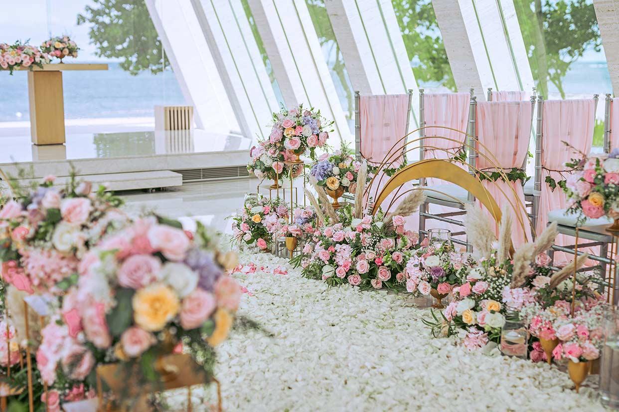 无限教堂婚礼布置 - INFINITE RAINBOW WEDDING