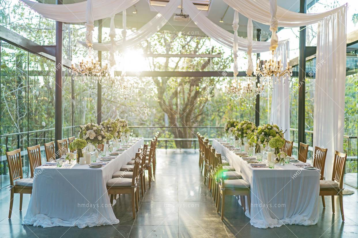 巴厘岛玻璃房子玻璃屋升级晚宴布置|海外婚礼晚宴布置案例|海外婚礼定制中高端布置案例|巴厘岛婚礼布置定制案例