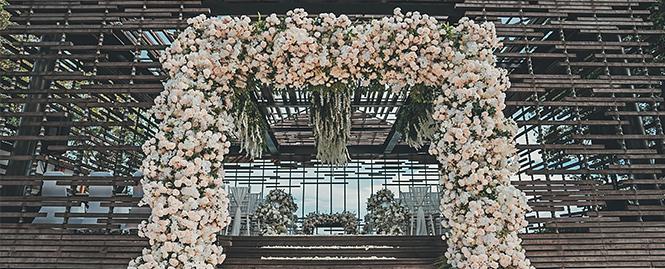 巴厘岛阿丽拉空中婚礼